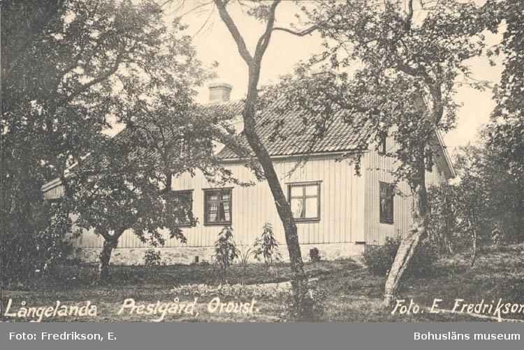 """Tryckt text på kortet: """"Långelanda Prestgård, Orust."""""""