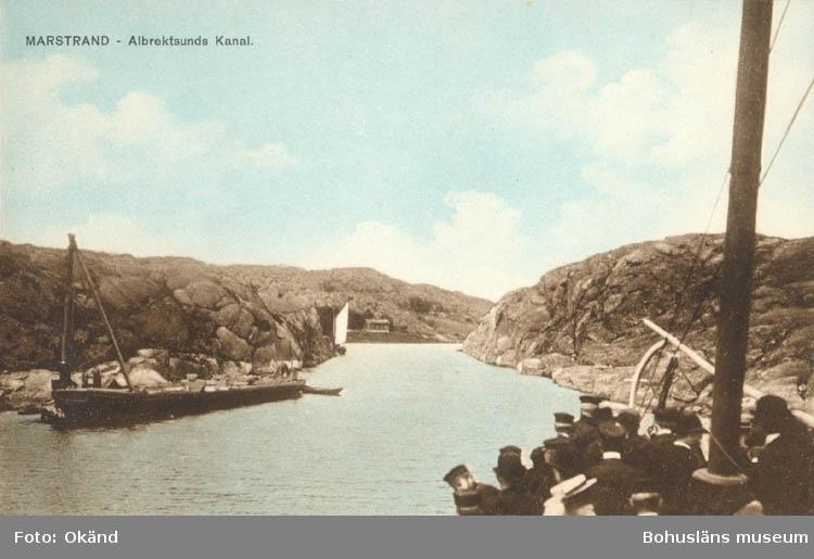 """Tryckt text på kortet: """"Marstrand. Albrektsunds Kanal."""" """"J.O. Orsell, Marstrand."""""""