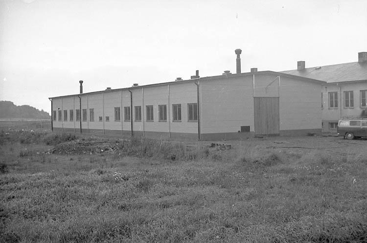 """Enligt fotografens notering: """"Puchfabriken Brodalen 9/10 -63""""."""