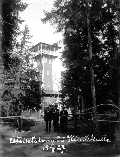 """Enligt text på fotot: """"Utsiktstornet på Kinnekulle 14/8 1927""""."""