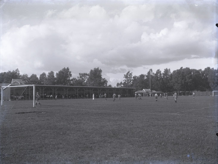 """1932. Idrottsplatsen i Munkedal."""