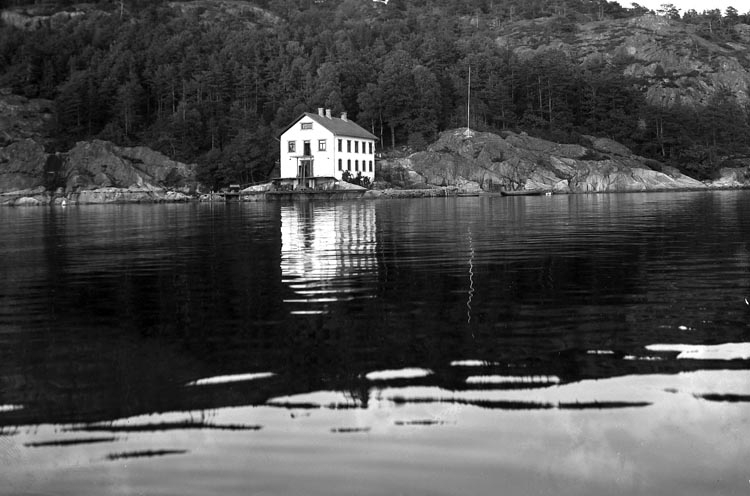 """Enligt fotografens noteringar: """"1936. 58. Fiskestation vid Gullmarsstationen""""."""