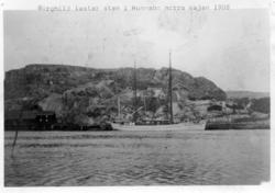 """Enligt text på fotot: """"Borghild lastar sten i Hunnebo norra"""