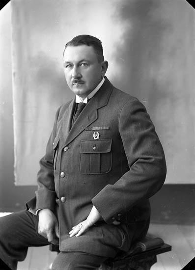 """Enligt fotografens journal nr 4 1918-1922: """"Kindal, Konsul C. Göteborg""""."""