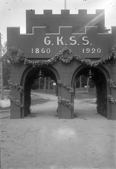 """Enligt fotografens journal nr 4 1918-1922: """"Kappseglingen Portalen, Ön""""."""