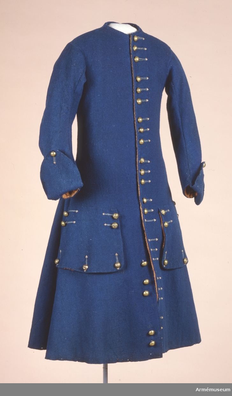 Grupp C I. Uniformsrock, justaucorps, sannolikt 1680-tal, Frankrike. LITT   AMV Med, X,S,54  AMV Med, XV. S. 31-32 AMV Med, XXI,s, 119.