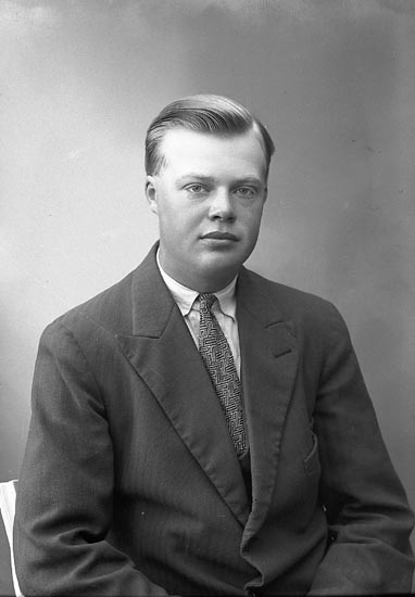 "Enligt fotografens journal nr 6 1930-1943: ""Andersson, Olof Gåre, Spekeröd""."