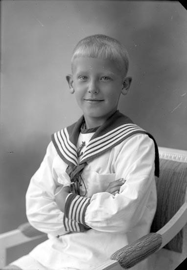 "Enligt fotografens journal nr 4 1918-1922: ""Dahlstrand, Sven Ivan Göteborg""."