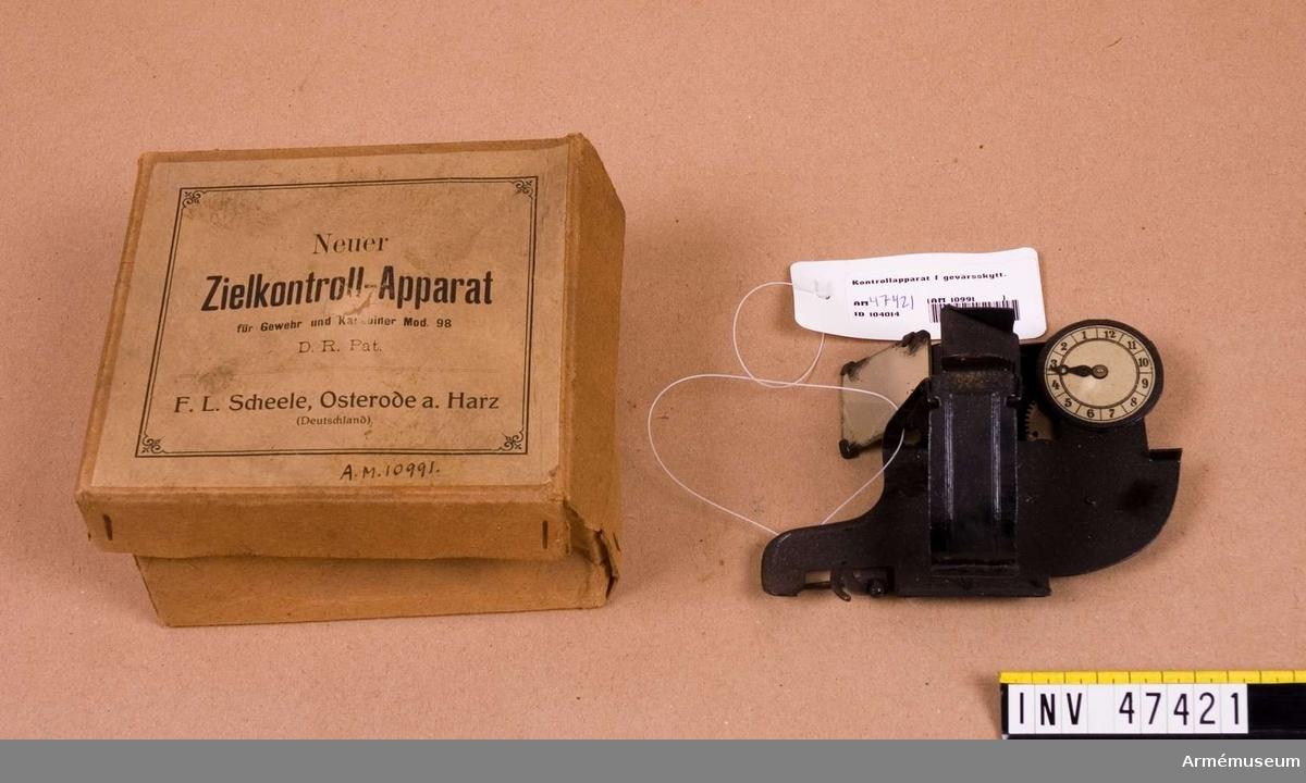 Grupp E VI. Till tyska gevär och karbiner m/1898. Zielkontroll-Apparat typ F L Scheele. F L Scheeles konstruktion.