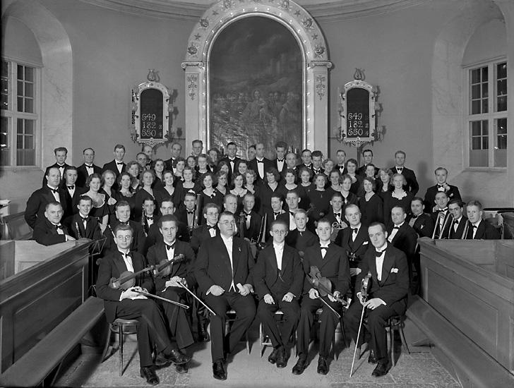 """Enligt tidigare notering:""""Från konsert i Uddevalla kyrka.Orkester och kör i koret 1936-05-05."""""""