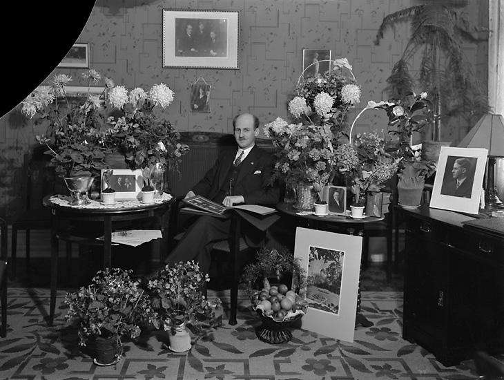 """Enligt tidigare notering: """"Handlande Köllerströms 45-årsdag, 1929."""""""