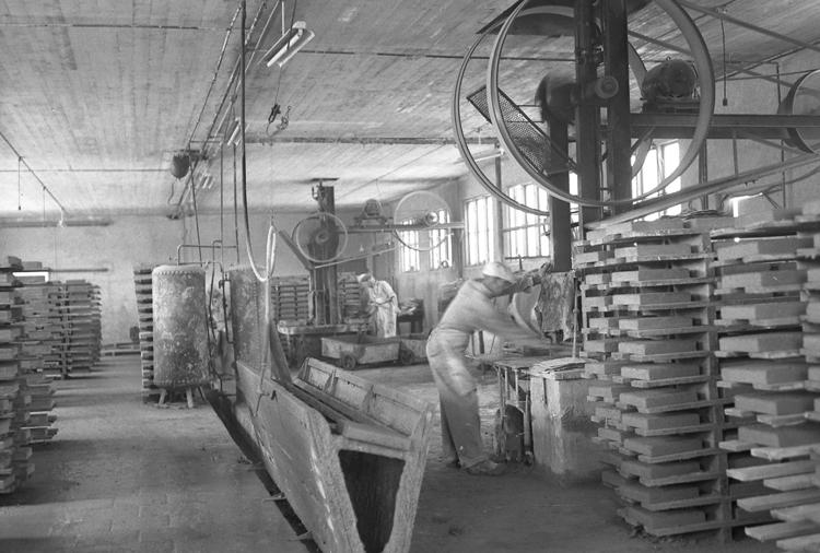"""Text till bilden: """"Granitoid gjuteri. Brastad. 1949.06.15""""             i"""
