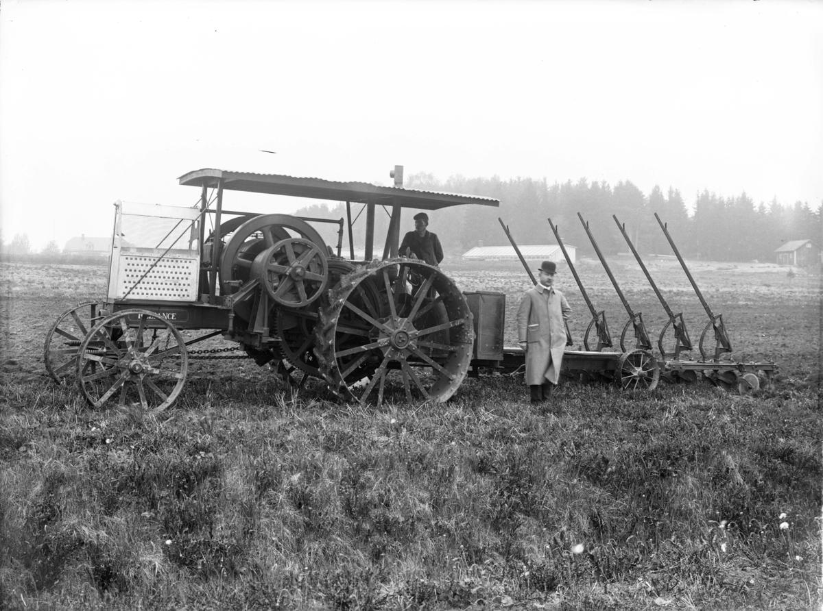 Pljning vid Nyckelby grd, vergrans socken, Uppland, 1911