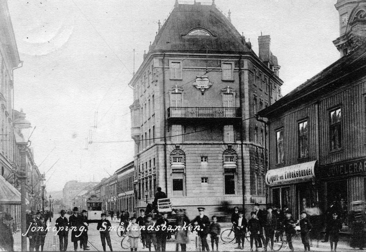 Smålandsbanken vid Östra Storgatan i Jönköping. Vykort skickat 1912-02-28.