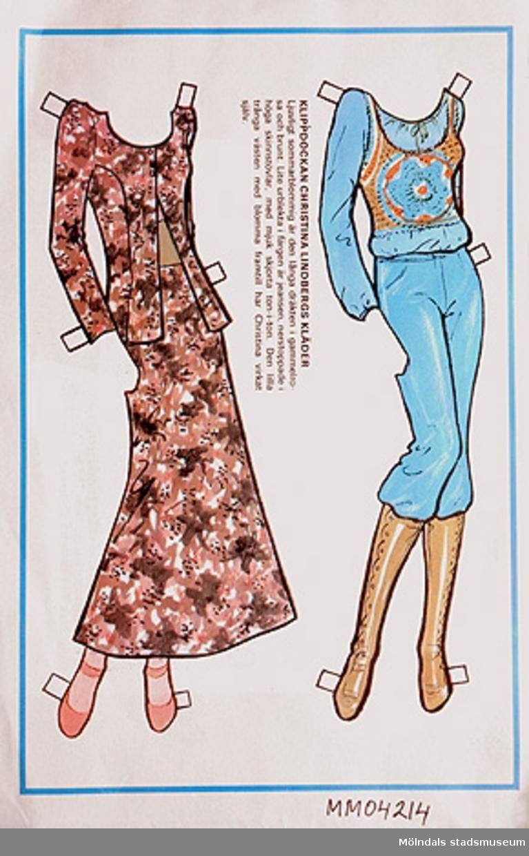 Klippdockan Christina Lindbergs kläder outklippt från veckotidning. Endast kläder, själva dockan saknas.