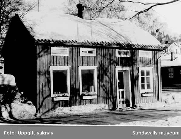 Hus vid Skepparegatan strax före rivning.