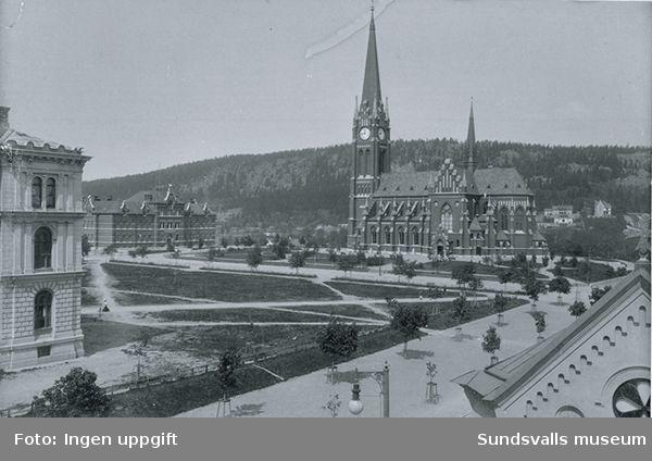 Gustav Adolfs kyrka och Flickskolan.