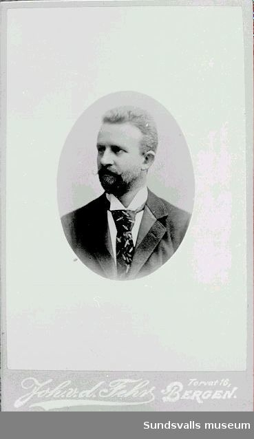 Professor, kultur- och språkforskaren, Elseus Sophus  Bugge, Kristiania, Norge (möjligtvis visar fotografiet arkitekten Andreas Fredrik Bugge).