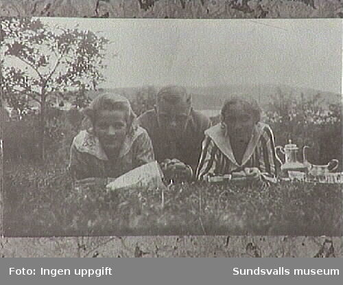 Maja Braathen samt Ejnar och Hildur Åberg.