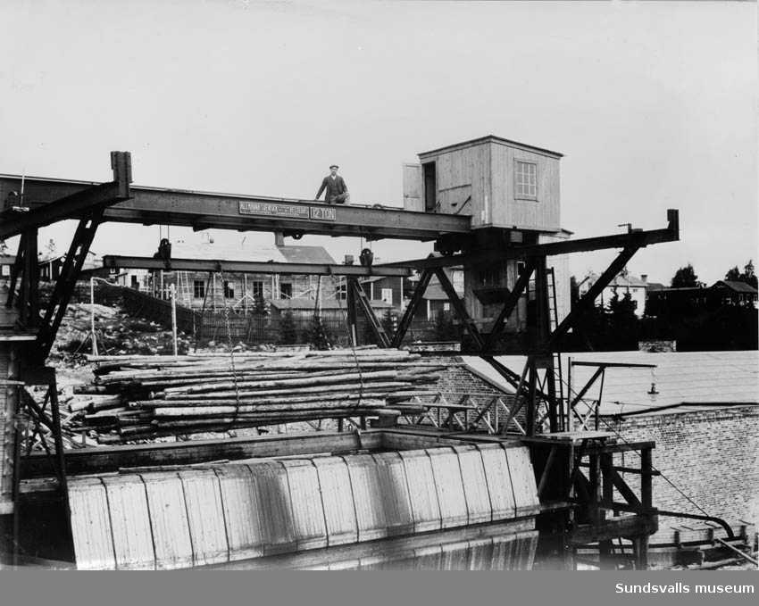 Uppfordring av pappersved till renseriet i Fagerviks sulfitfabrik. 1912.