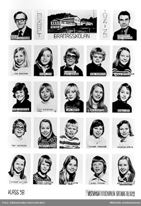 En bildkarta med skolfoton på klass 5B i Brattåsskolan, läsåret 1974/1975. Bildkartan är uppklistrad på ett fotoark i en pärm (MM23916) från Brattås rektorsområde, tillsammans med andra skolfoton MMF2004:1484-1522.Med på bild: Rektor. Gunnar Hillerström, Studierektor. Rolf Sandström, Lena Bäckehorn, Mikael Fors, Klassförest. Anita Högström, Rune Glamheden, Carola Gottfridsson, Kathe Gustafsson, Ulf Gustafsson, Lars Hansson, Maria Husberg, Magnus Hägg, Tony Ingvarsson, Jeanette Jansson, Tommy Jansson, Susanne Johansson, Katarina Kårlin, Susanne Laitinen, Bengt Lindström, Karin Nilsson, Kjell Persson, Maria Rosenberg.