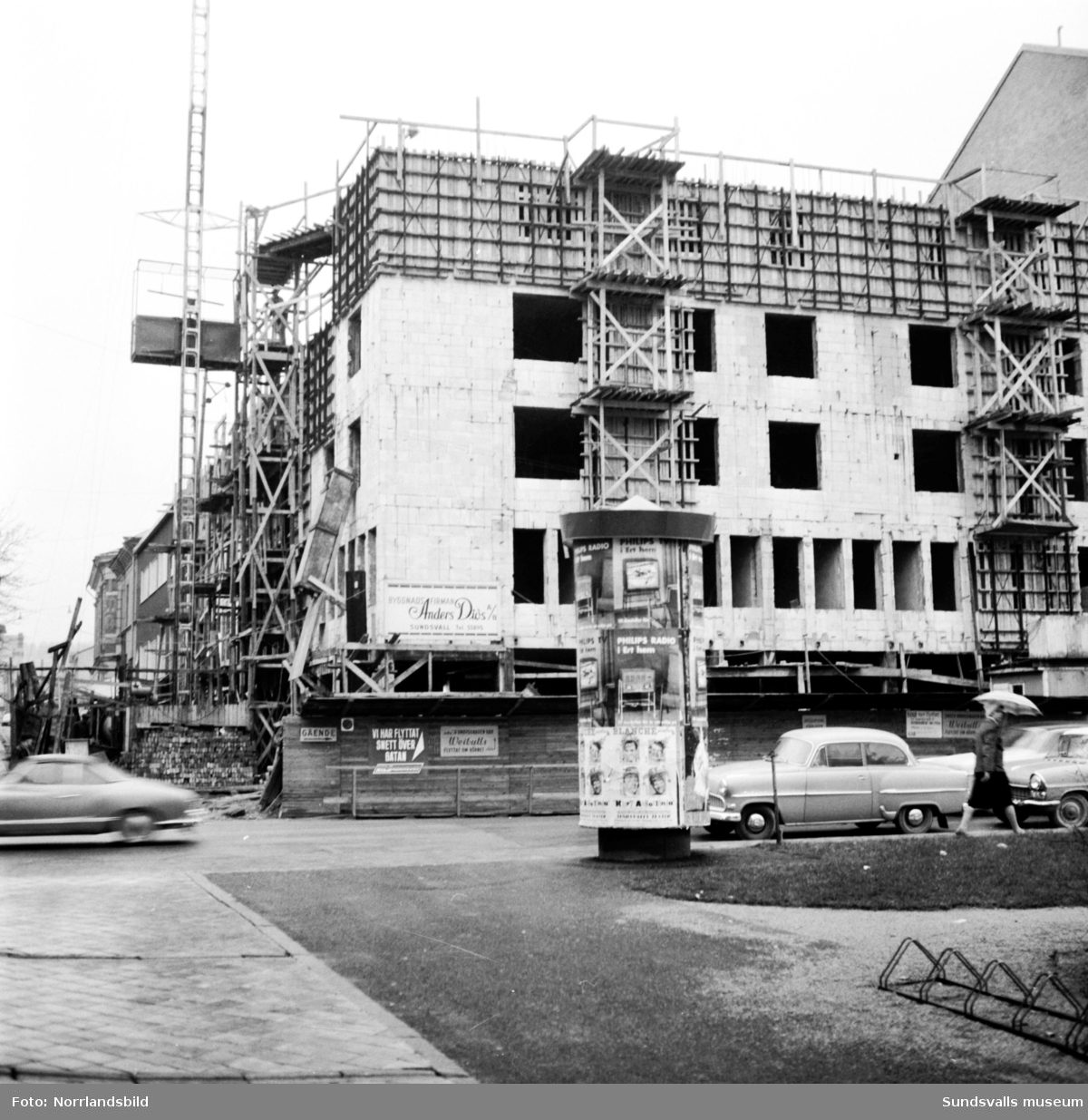 Skandiahuset på Storgatan 31 under byggnation.