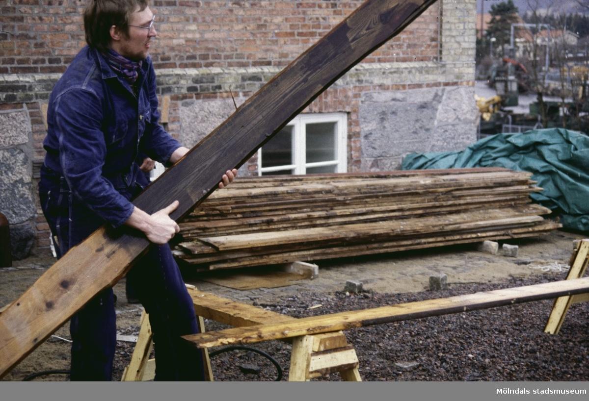 Exteriörfoto från upprustningen av Mölndals Museum.