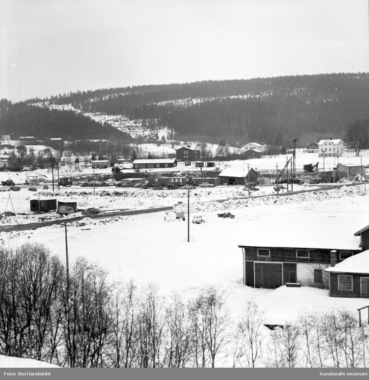 Diverse byggen i Selånger: Kafaks bygge, fängelset i Bergsåker och AB Grävmaskiner i Töva.
