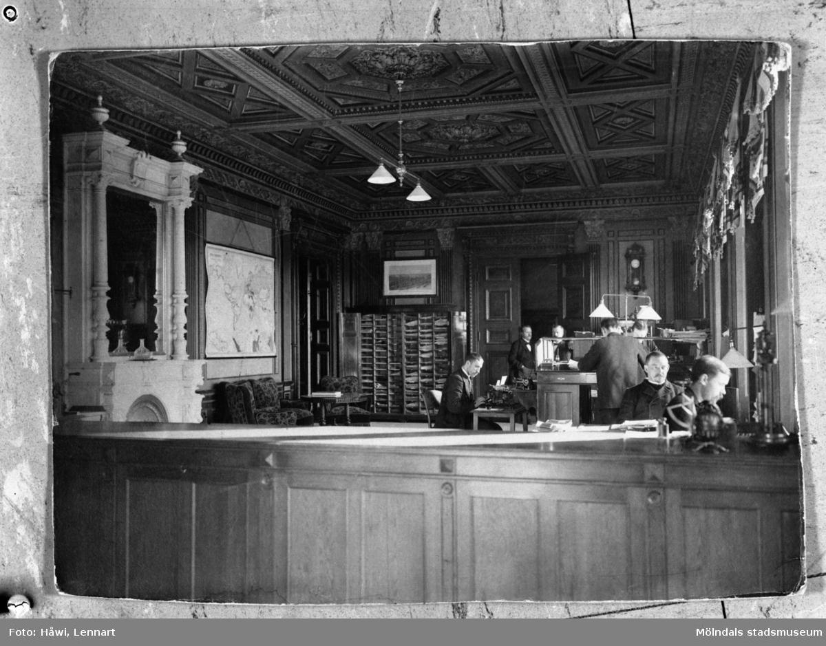Papyrus i Mölndal. Stora kontoret, interiör omkring 1905. Reprofotografi, 19/12 1960.