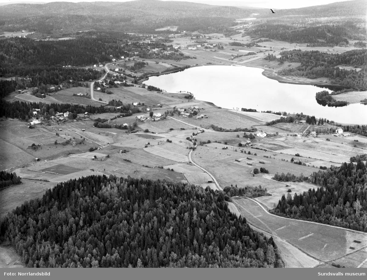 Flygfoton över Klingsta och Klingstatjärnen.