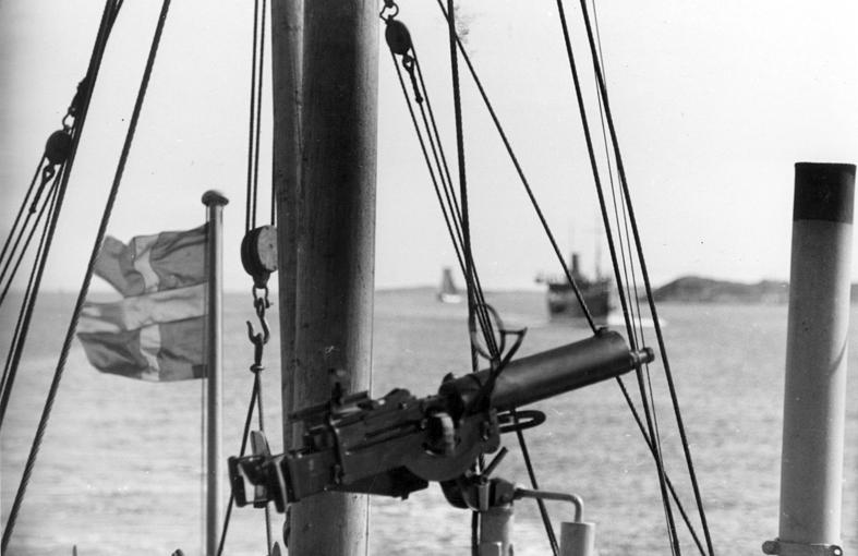 Göteborgs Örlogsdepå. Hjälpvedettbåtens Lv ksp M/ 36. Fil lic Gunnar Jonssons undersökningsresa till västkusten juni 1940. 90.
