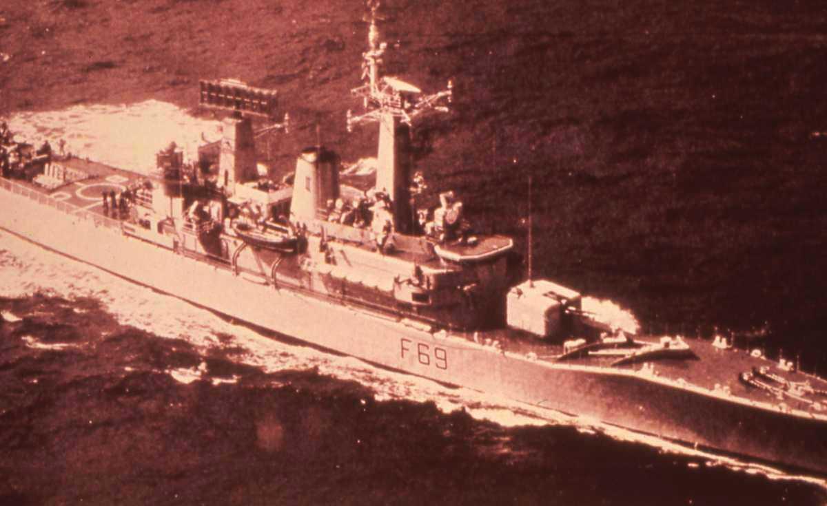Engelsk fartøy av Leander - klassen som heter Bacchante og har nr. F 69. Tilhører Broad-Beamed gruppen.