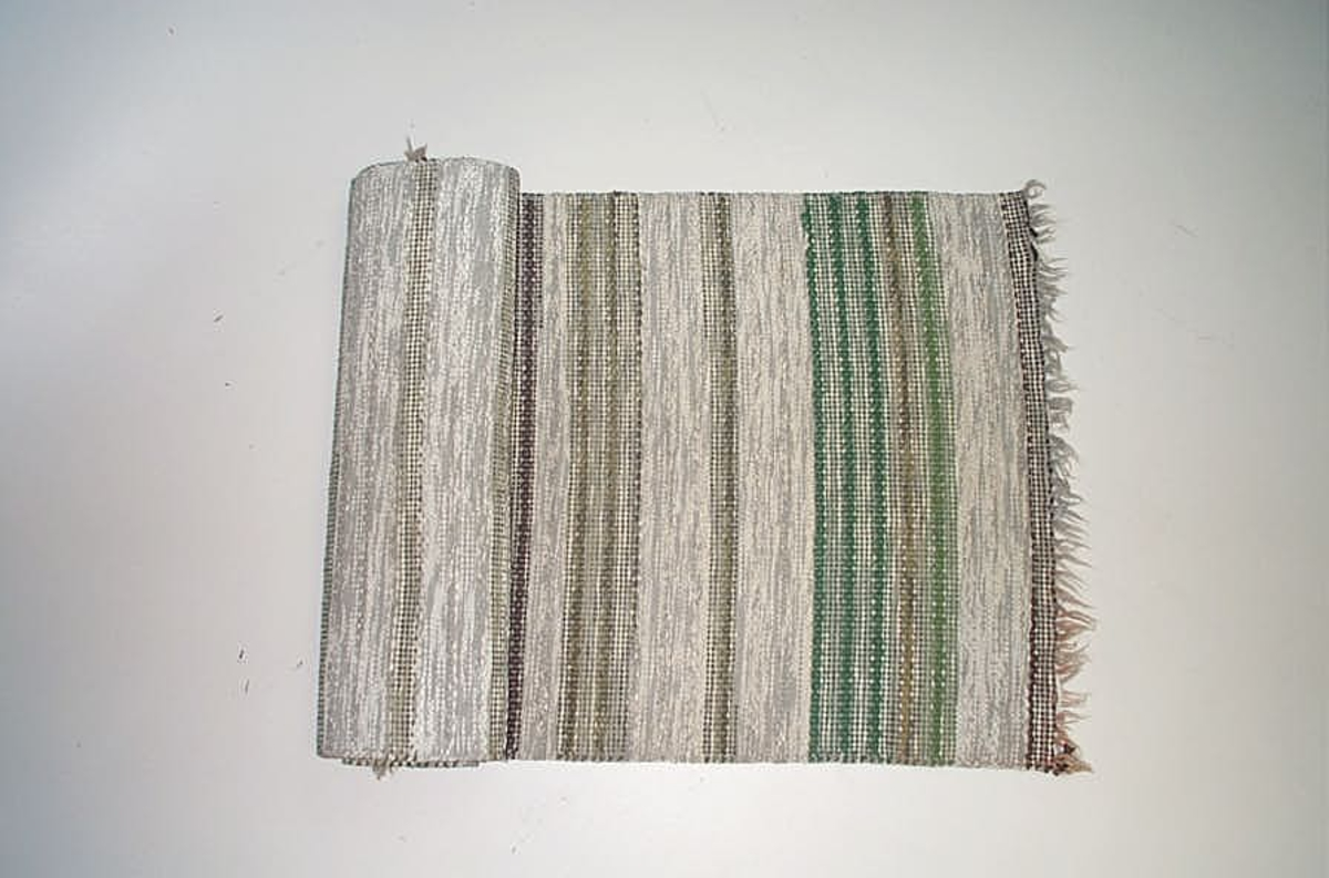 """Form: Rektanluler Innkjøpt til utstillingen - """"Vi innreder landet"""" - 1996."""