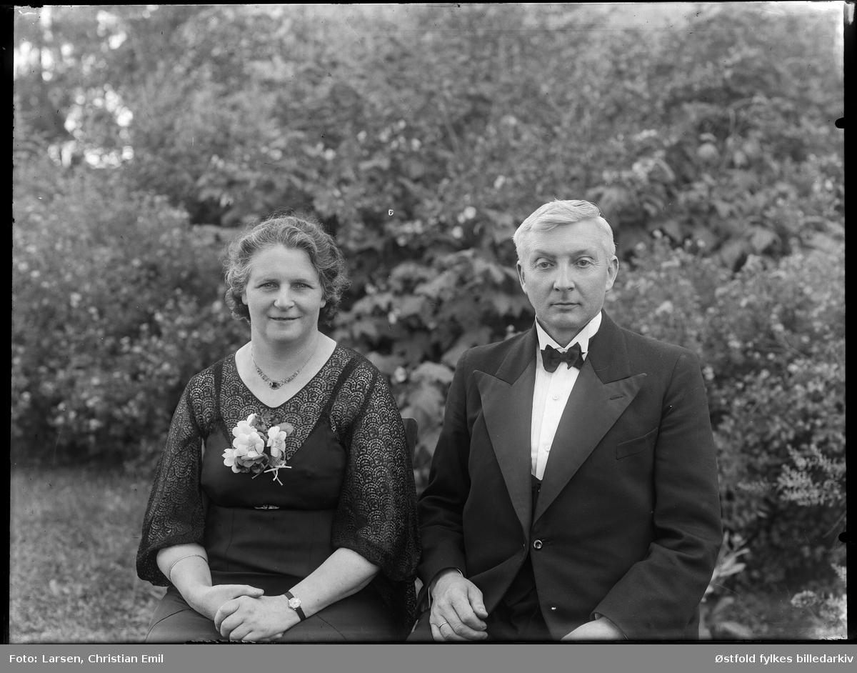 Portrett av meieribestyrer Arne S. Ødegård og hustru Maren Kristine,  Rakkestad. 1943.