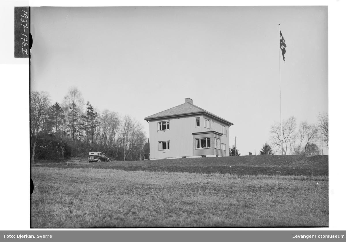 A. Sundsets villa II