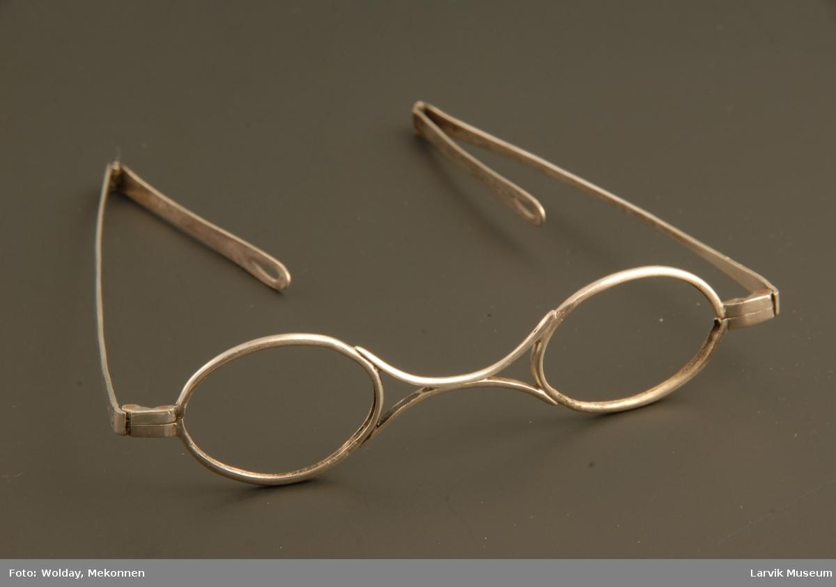 Form: stål brilleinfatning