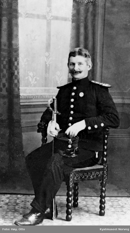 Ukjent mann i uniform