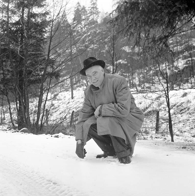 """Enligt notering: """"Vid Bjursjön/Sportstugan/ 2/1 1961""""."""