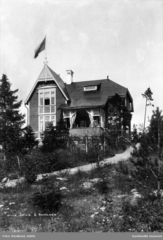 Villa Solvik, Viken. Väster om Vindhem, Alnö. Sommarbostad till grosshandlare Carl August Gustafsson med familj.