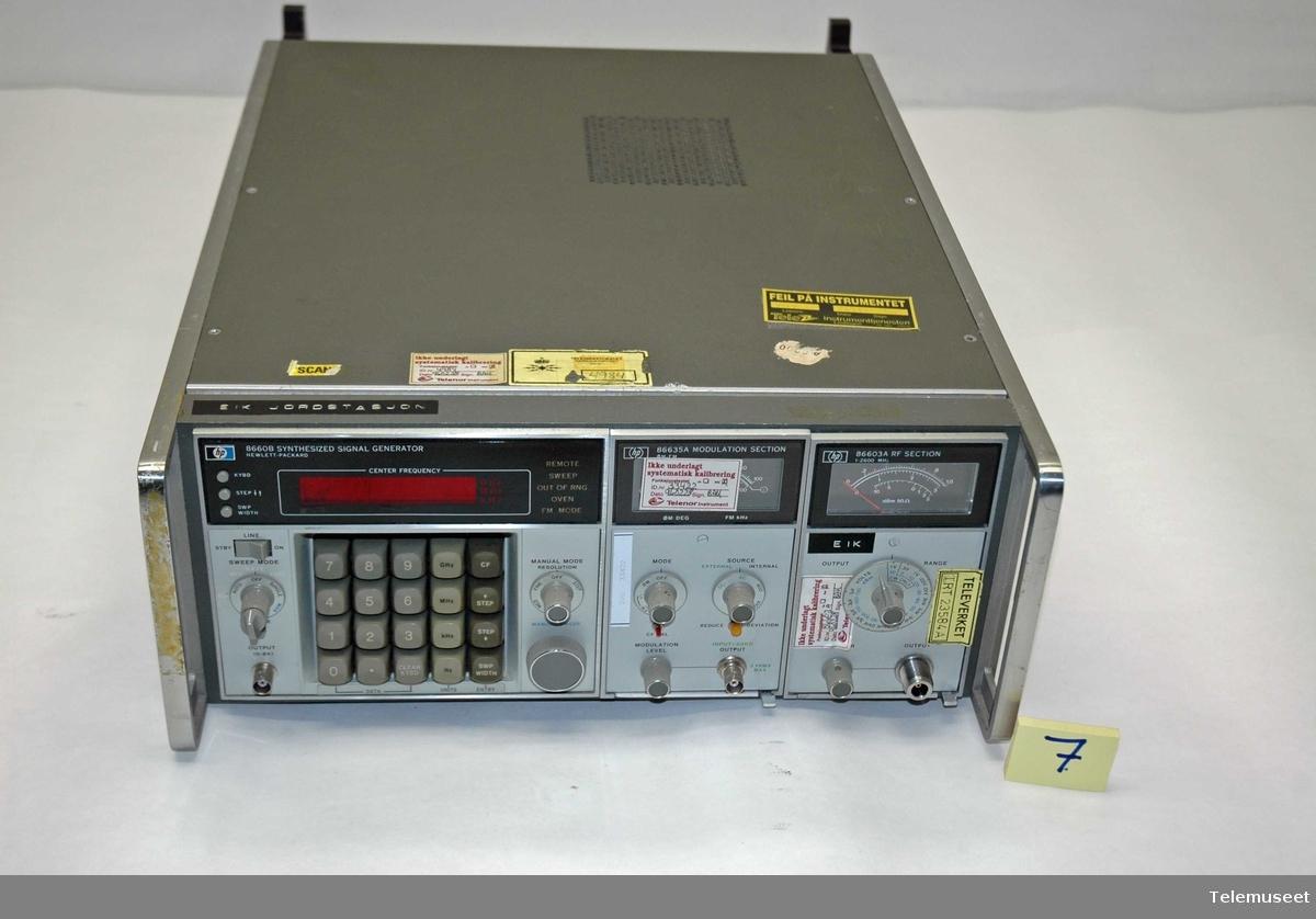 Betegnelse 8660B.  Tilleggsenhet a: 86635 A modulasjon seksjon Tilleggsenhet b: 86603 A radiofrekvens seksjon