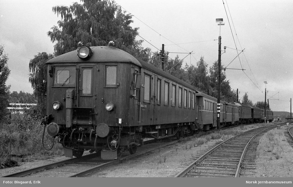 Styrevogn litra BFS 65 nr. 18623 på Ski stasjon