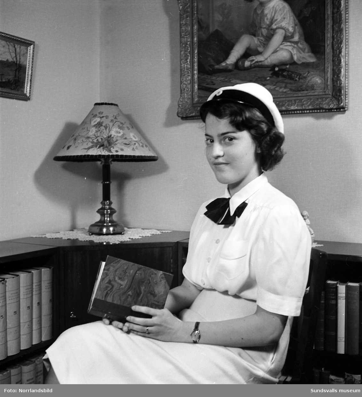 Karin Hellberg, studentporträtt, Södra Järnvägsgatan 47.