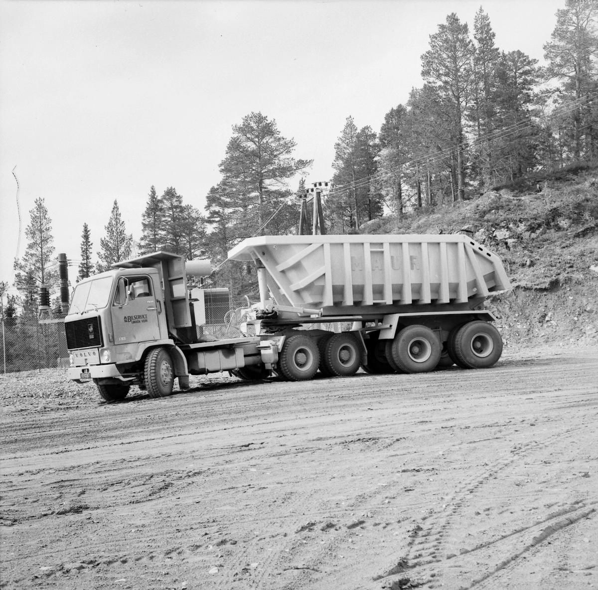Volvo lastebil med Maur dumperkasse. A/S Bilservice, Løkken Verk.