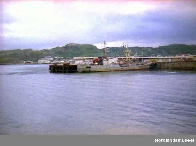 Russisk lastebåt, Kildin. av Murmansk, laster ved Jernbanekaien i Bodø september 1997.