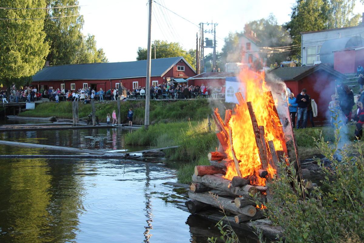 Sankthansaften på Fetsund lenser (Foto/Photo)