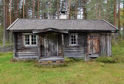 Skredderstua fra Kvesetmoen, Hof i Åsnes (Foto/Photo)