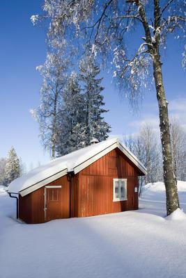 Furua, romanihuset i vinterlandskap. Foto/Photo