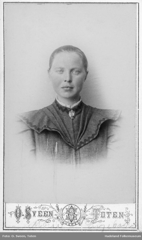 Portrett av Marie Engebråten (evt. Engebakken?)