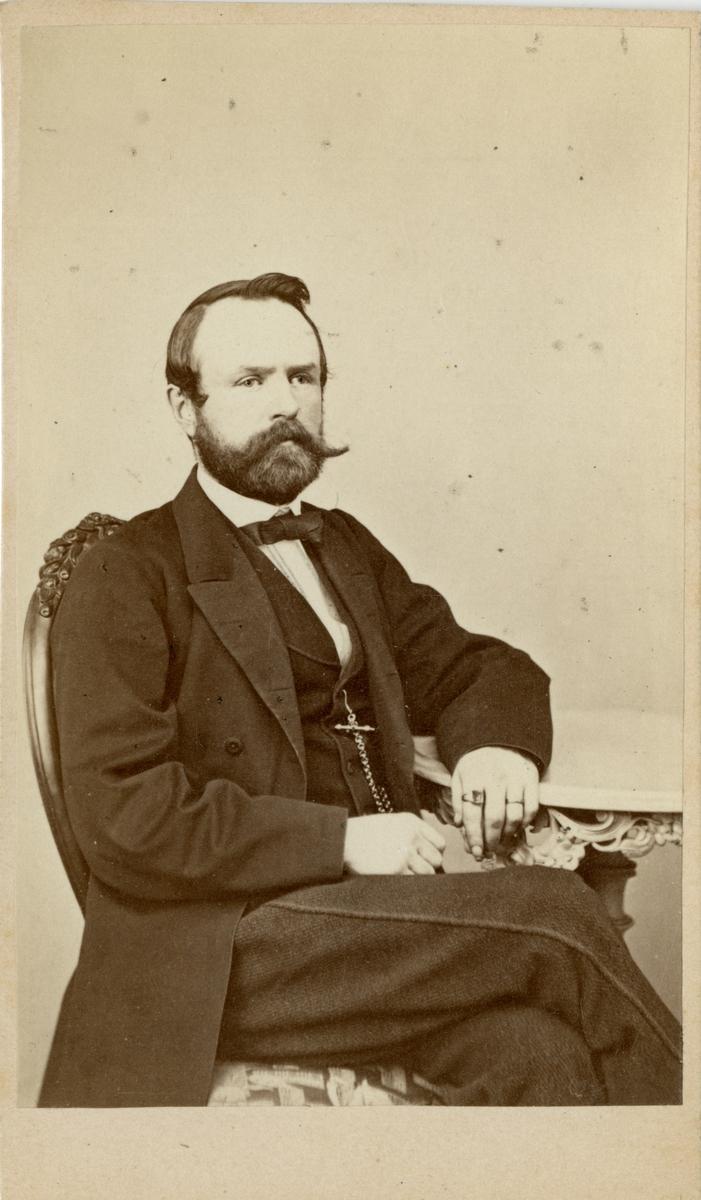 Porträtt av Löjtnant Almqvist.