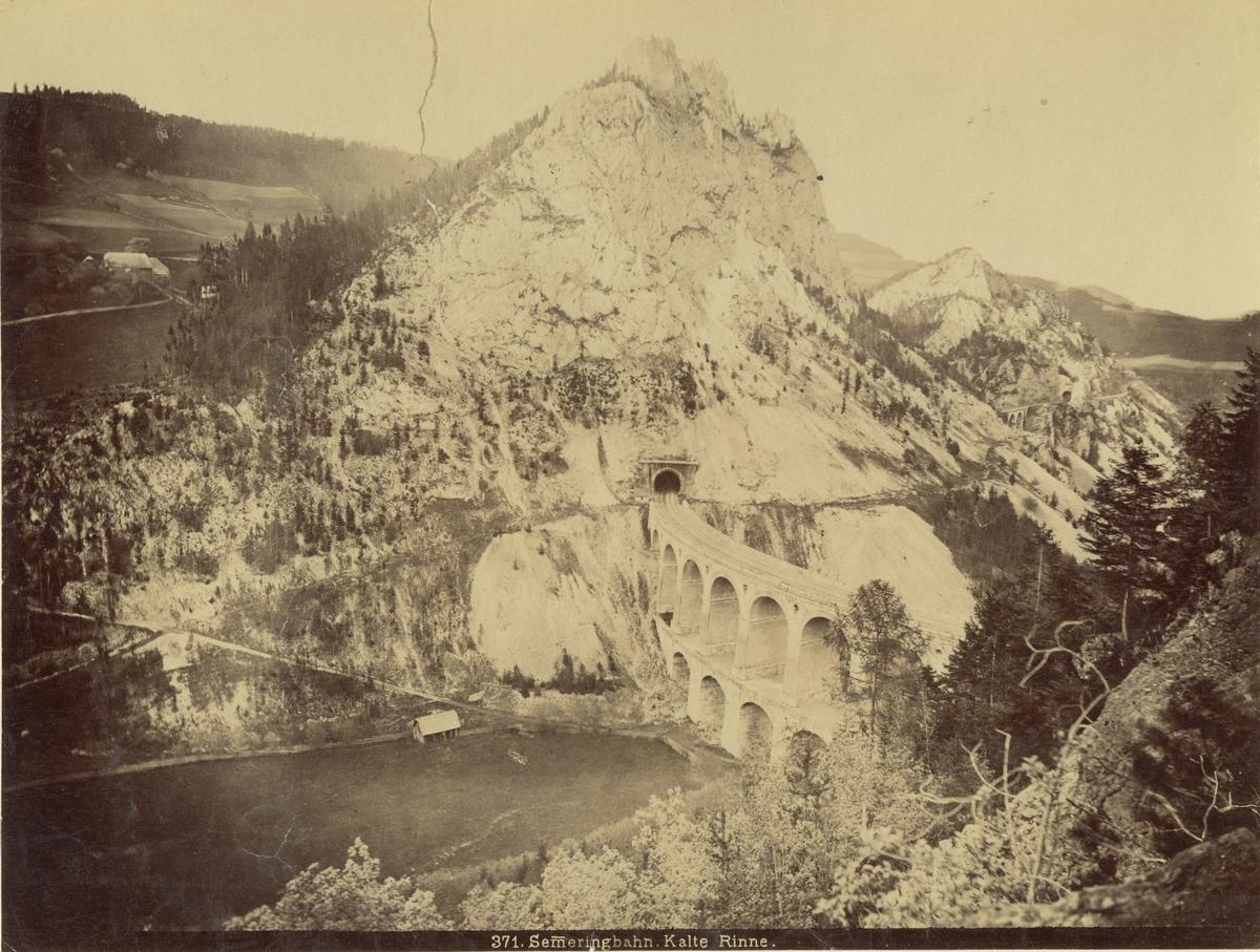 Viadukt vid Semmeringbanan i Österrike, 1886.